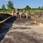 Дослідження курганної групи та багатошарового поселення на Полтавщині